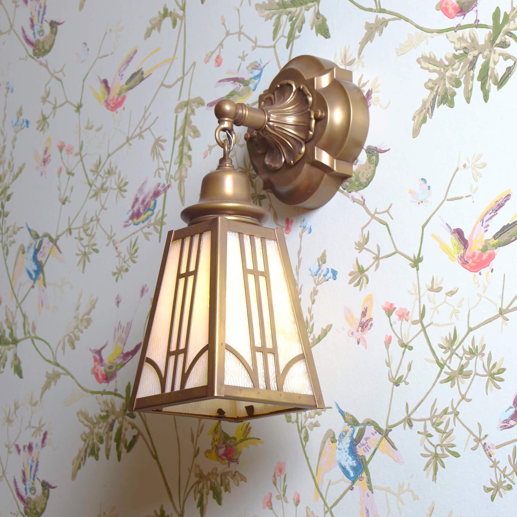 Traditional wall sconces, chandeliers, ceiling fixtures, and pendant lighting
