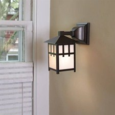 Craftsman Lantern™ 5 in. Wide Straight Arm Exterior Wall Light